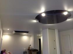 Plafond-tendu-3D-Noir-Brillant-Forme-iNove®